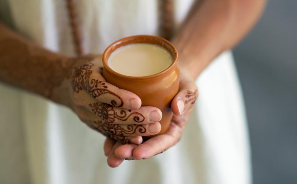 Henna-hands-chai-1