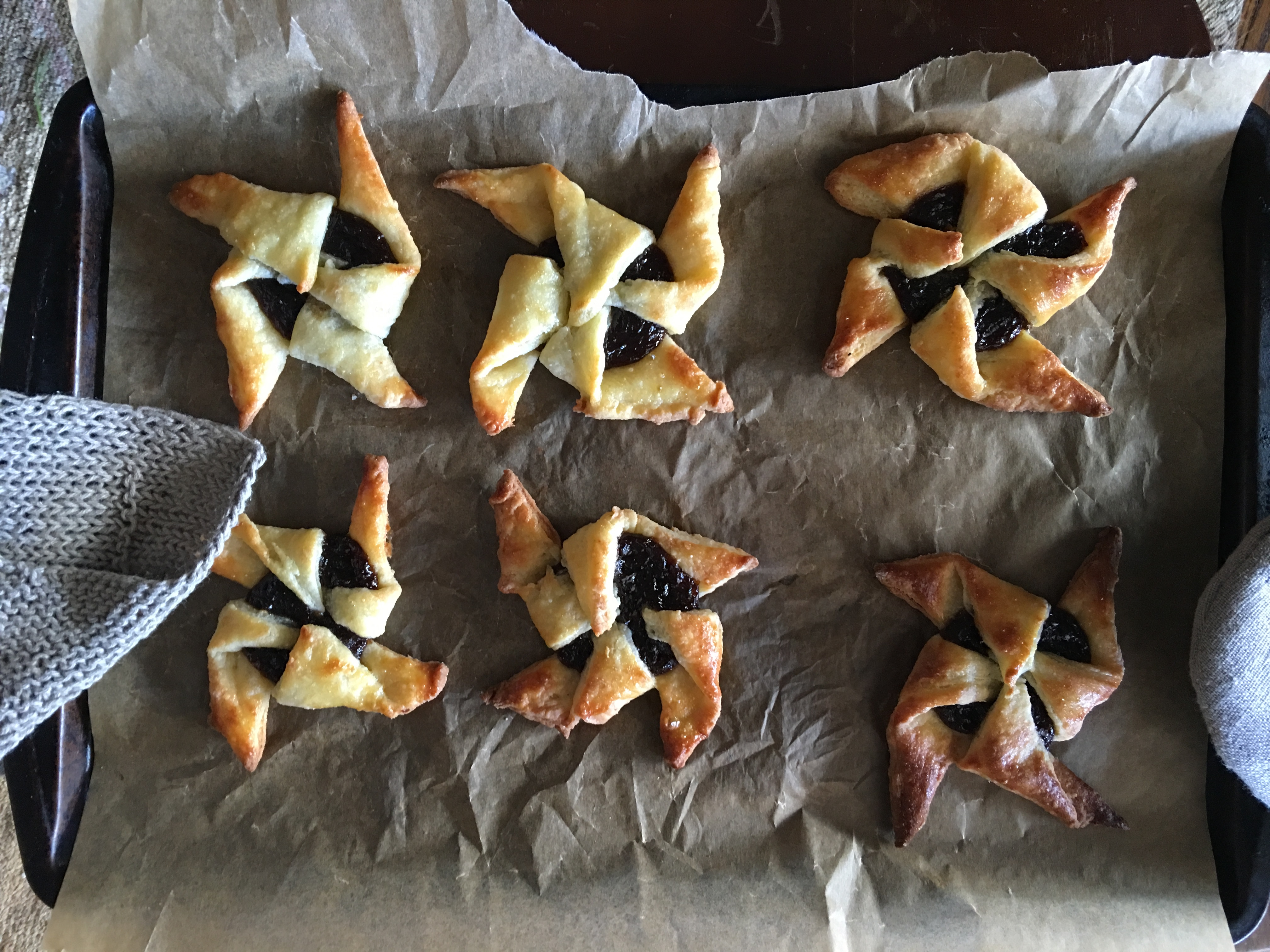 Plum-Pinwheels-Recipe