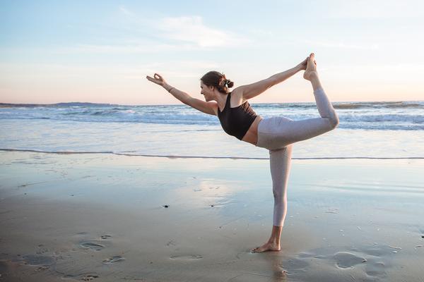 Dancer yoga pose (Natarajasana)